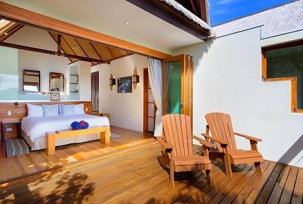 Island-Plunge-Pool-Bedroom